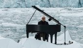 Ludovico's floating performance in the Arctic Ocean (Video)