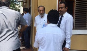 JO files complaint against Ranil, Mahendran