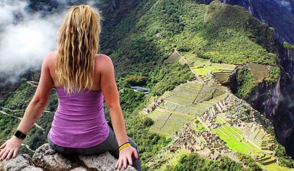 Woman visits 7 wonders after cancer diagnosis