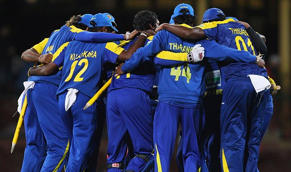 Cricketers head to Zimbabwe without signing contracts